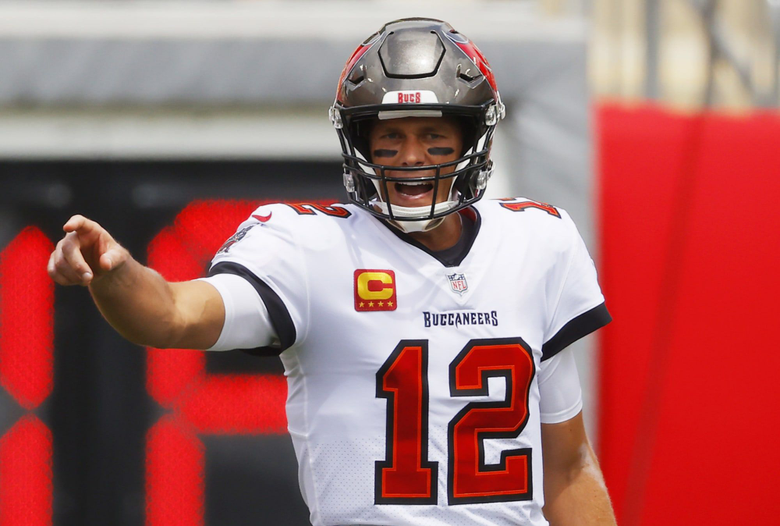 Tampa Bay Buccaneers Tom Brady rides uneven day to first win