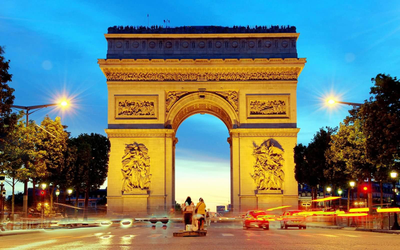 Awesome Arc de Triomphe Night Pictures