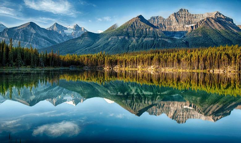 Lakes Herbert Lake Reflection Beautiful Forest Banff National Park