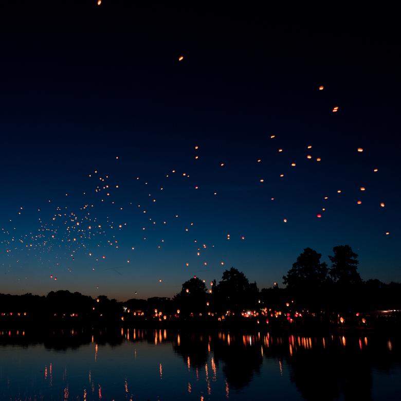wallpapers 2780x2780 chinese lanterns sky lanterns night