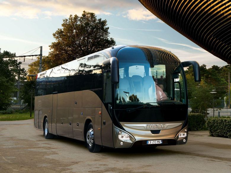 Iveco Magelys Pro Bus transport semi tractor g wallpapers