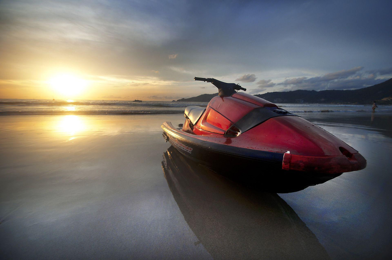 Try a Jet Ski Rental to Experience an Amazing Holiday