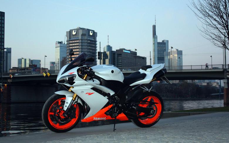 Yamaha Motorcycle Wallpapers