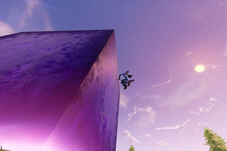 Fortnite s mysterious giant cube continues to do weird things