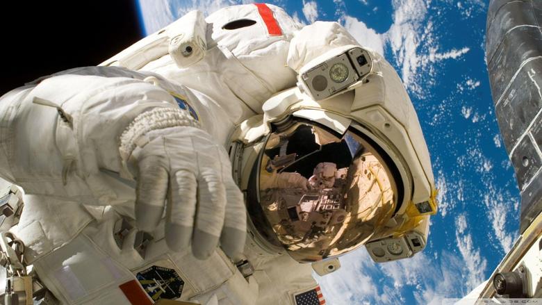 Cosmonaut HD desktop wallpapers Widescreen High Definition