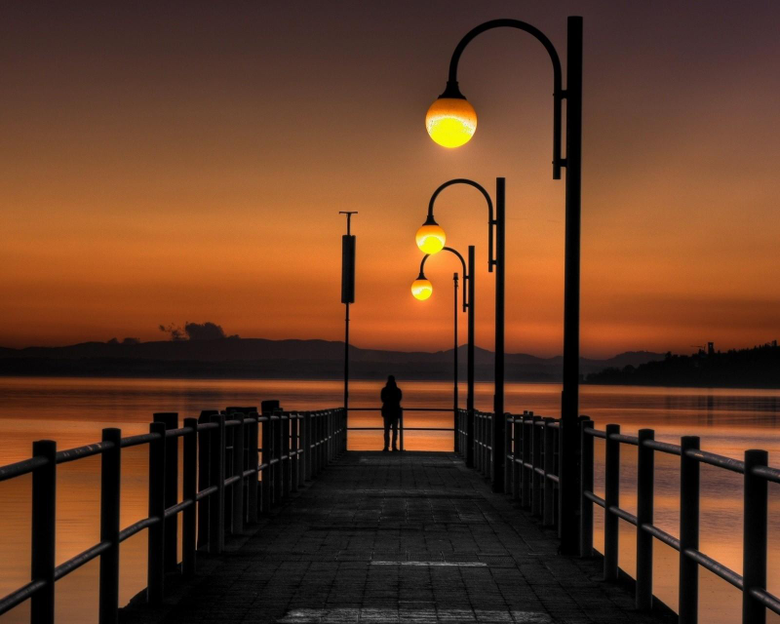 A Lonely Moment HD Wallpapers