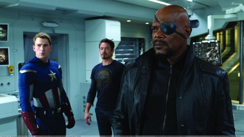 The Avengers Samuel L Jackson As Nick Fury Gun In Hand Wallpapers