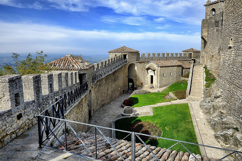 Courtyard in the fort in San Marino Italy wallpapers and image