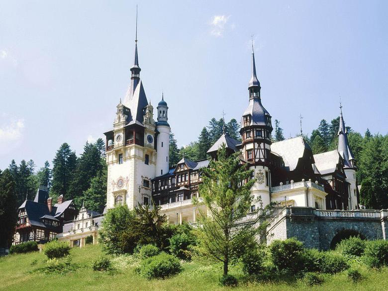 Peles castle Sinaia Transylvania Romania desktop backgrounds