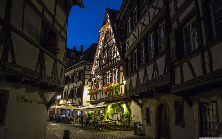 Restaurant in Strasbourg 4K HD Desktop Wallpapers for 4K Ultra HD