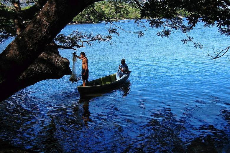 HD el salvador boats and fishermen Wallpapers