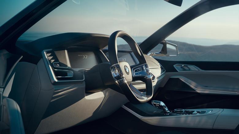 BMW Concept X7 iPerformance Debuts In Frankfurt