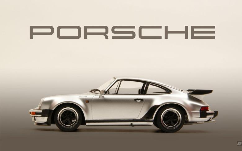 E Porsche Logo Fire