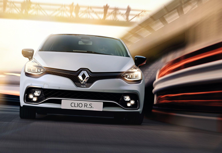 WHITE RENAULT CLIO RS 2017 WALLPAPERS