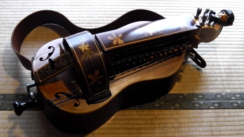 Learn to Play the Hurdy