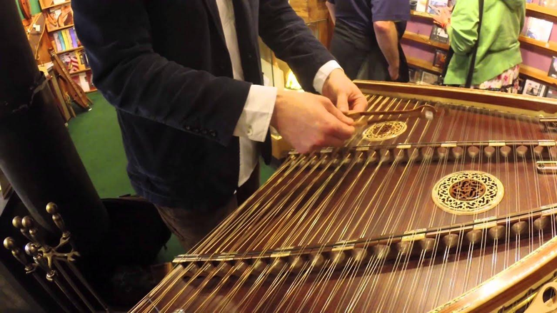 Amazing Hammered Dulcimer Musician
