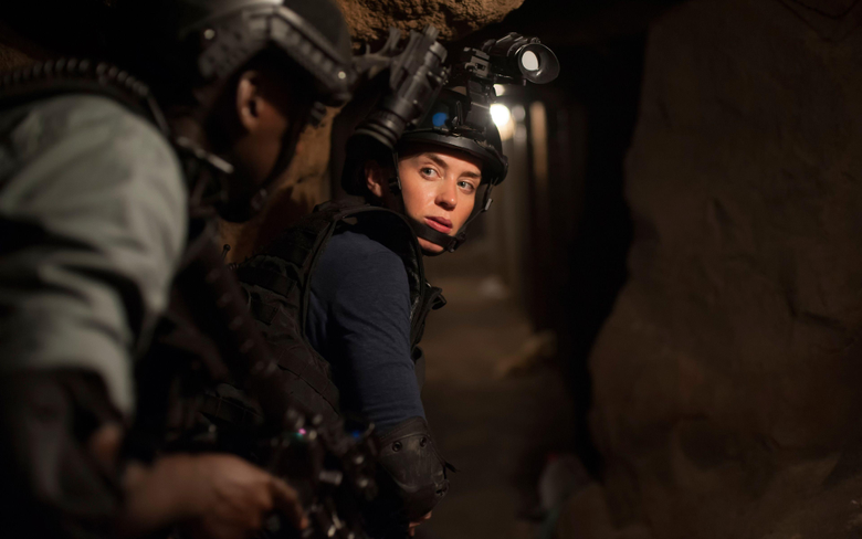 Pictures Emily Blunt Soldiers Sicario Girls Movies 3840x2400