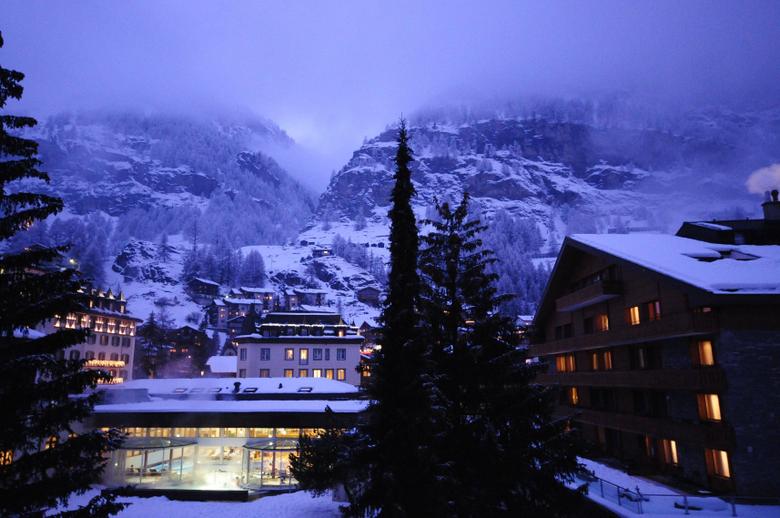 Fondos de Pantalla Suiza Zermatt in the Swiss Alps Ciudades