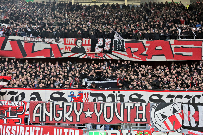 Fankurve von Fortuna D sseldorf Ultras Angry Youth Fortuna