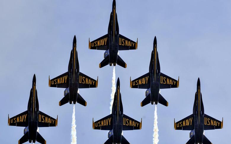 wallpapers Blue Angels aviation aerobatics group