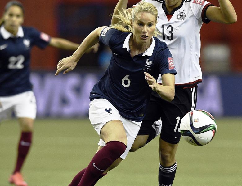 Cinq choses à savoir sur Amandine Henry la nouvelle star du PSG