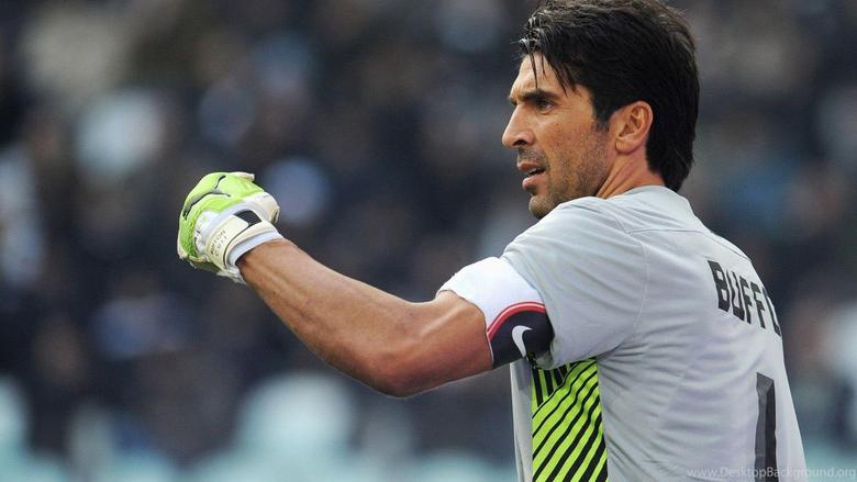 The Football Player Of Juventus Gianluigi Buffon Wallpapers And