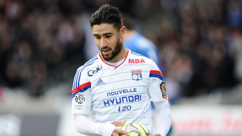 Lyon star Nabil Fekir signs new deal with bumper raise
