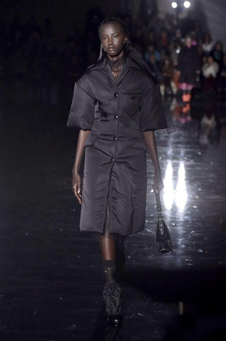 Anok Yai pourquoi ce top soudanais vient de marquer la Fashion