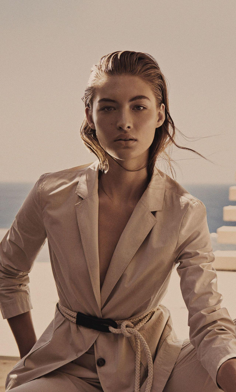 x2120 Grace Elizabeth iPhone 6 HD 4k Wallpapers Image