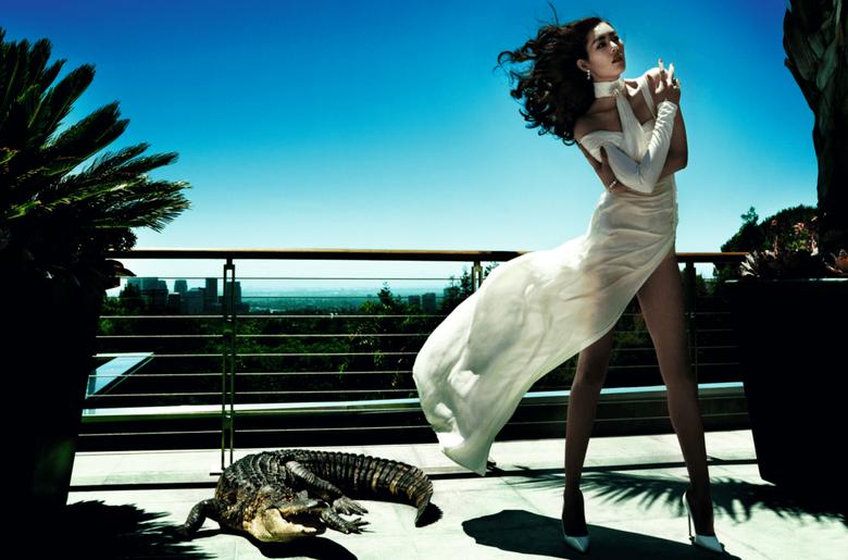 Liu Wen by Mario Testino for Vogue China December 2013 11