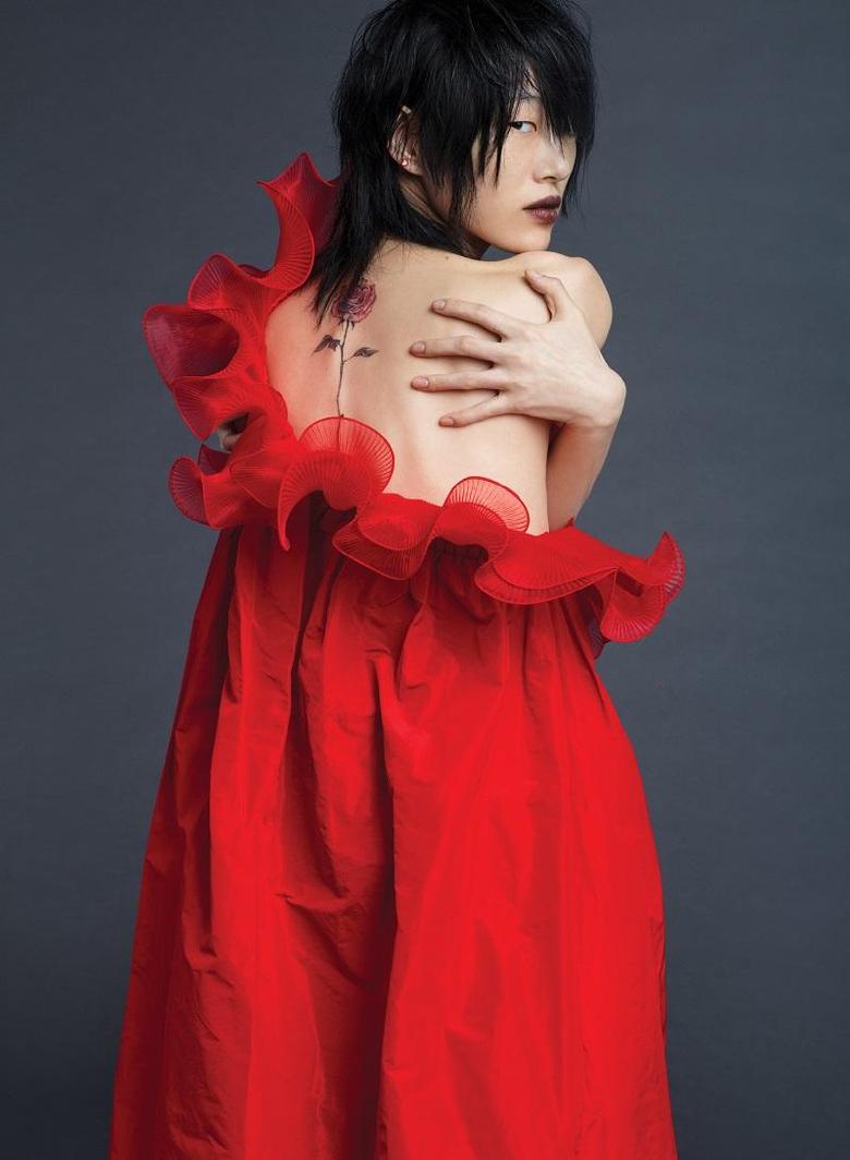 EDITORIAL Sora Choi for V Magazine Spring 2018