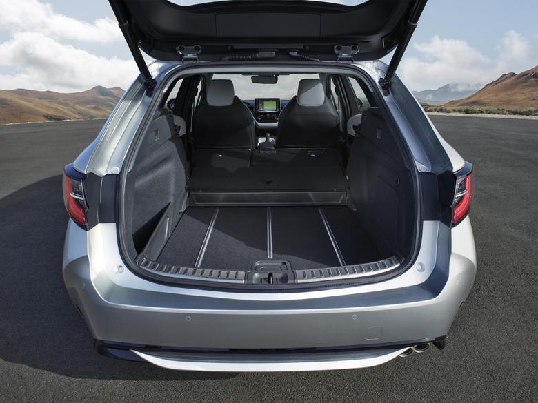 Boot Toyota Corolla Touring Sports Hybrid Worldwide 2019