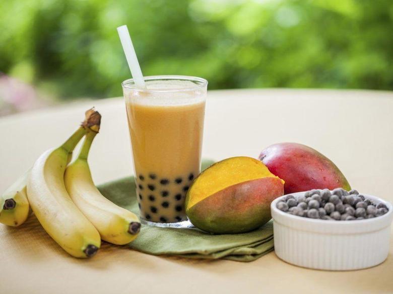 mango banana and blueberry bubble tea