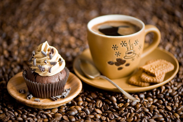 coffee and cupcakes this is for everyone but expeshiley for AlexPlays