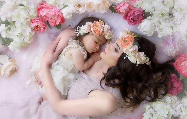 Wallpapers love flowers tenderness feelings sleep wreath mom