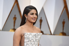 Priyanka Chopra just got back in Mumbai and is giving us fashion