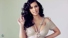 Kim Kardashian with Curly Hair widescreen wallpapers