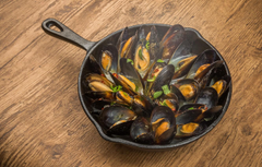 Wallpapers table seafood pan mussels image for desktop