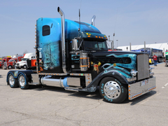 Freightliner Classic 13 wallpapers