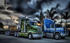 Wide HD Freightliner Cascadia Trucks Wallpapers