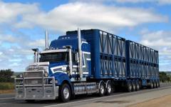 Mack Trucks Wallpapers 11