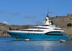 Image superyacht Sunrays Luxury Yacht 2611x1845