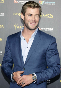 Chris Hemsworth to Bless Us With His Presence on Saturday Night Live