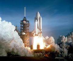 File Space Shuttle Columbia launching jpg