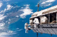 Space Station Viewing From Earth Wallpapers