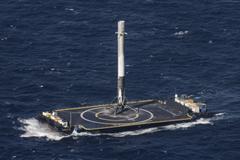 Wallpapers SpaceX ship sea platform rocket Space