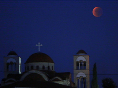Blood moon magic 17 amazing image of the supermoon around the