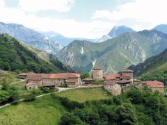 The tiny village of Banduxu in Proaza