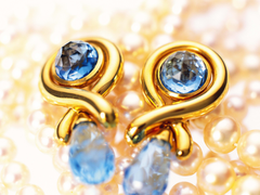 wallpapers 4096x3072 earrings pearls gold hd backgrounds