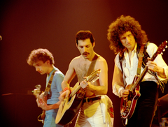 Entertainment Freddie Mercury Guitarist John Deacon Plucked